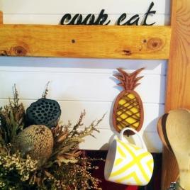 Pineapple Hanger